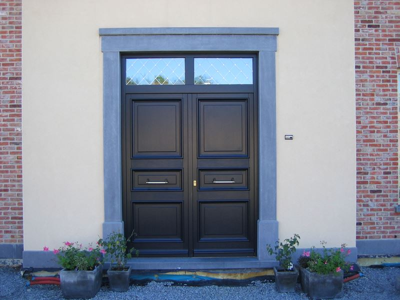 Portes bois belimed menuiseries exterieures 06 - Repeindre une porte d entree en bois ...