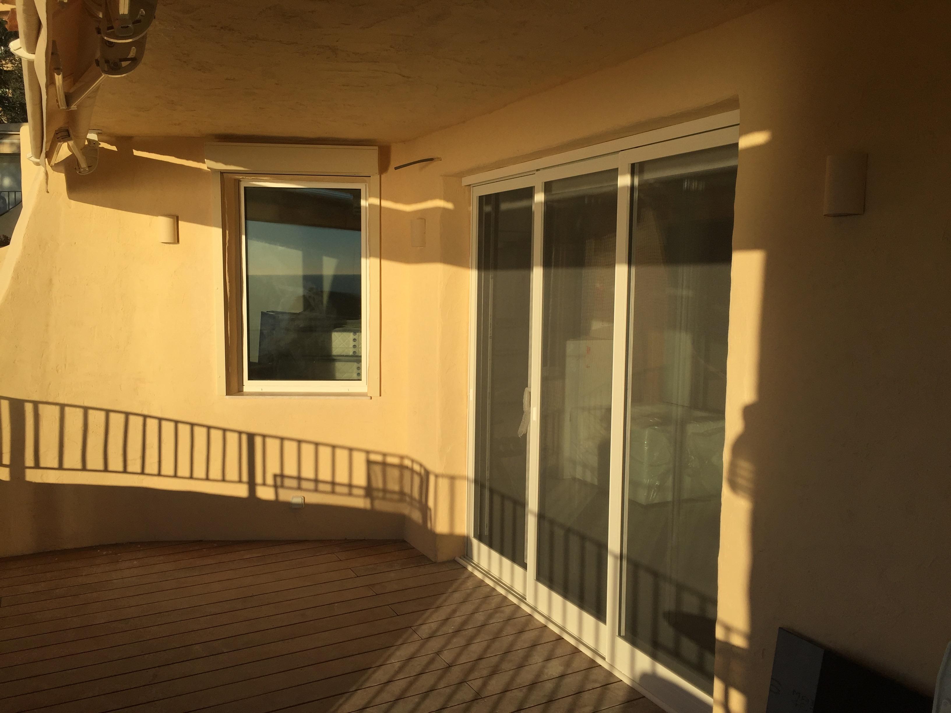 pose de moustiquaire 3 vantaux coulissant th oule sur mer belimed menuiseries exterieures 06. Black Bedroom Furniture Sets. Home Design Ideas