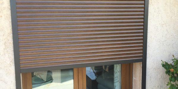 volet roulant alu somfy beautiful with volet roulant alu somfy trendy volet roulant motoris. Black Bedroom Furniture Sets. Home Design Ideas